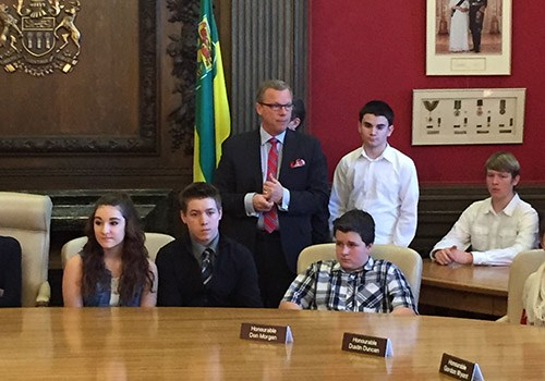 YRHS Students Visit the Legislature